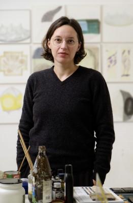 Petra Schweifer, November 2020 im Atelier, Foto Thomas Ries